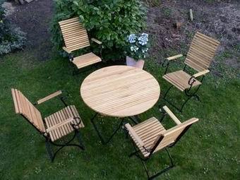 4 krzesła , 1 stół 100  - kliknij, aby otworzyć w nowym oknie